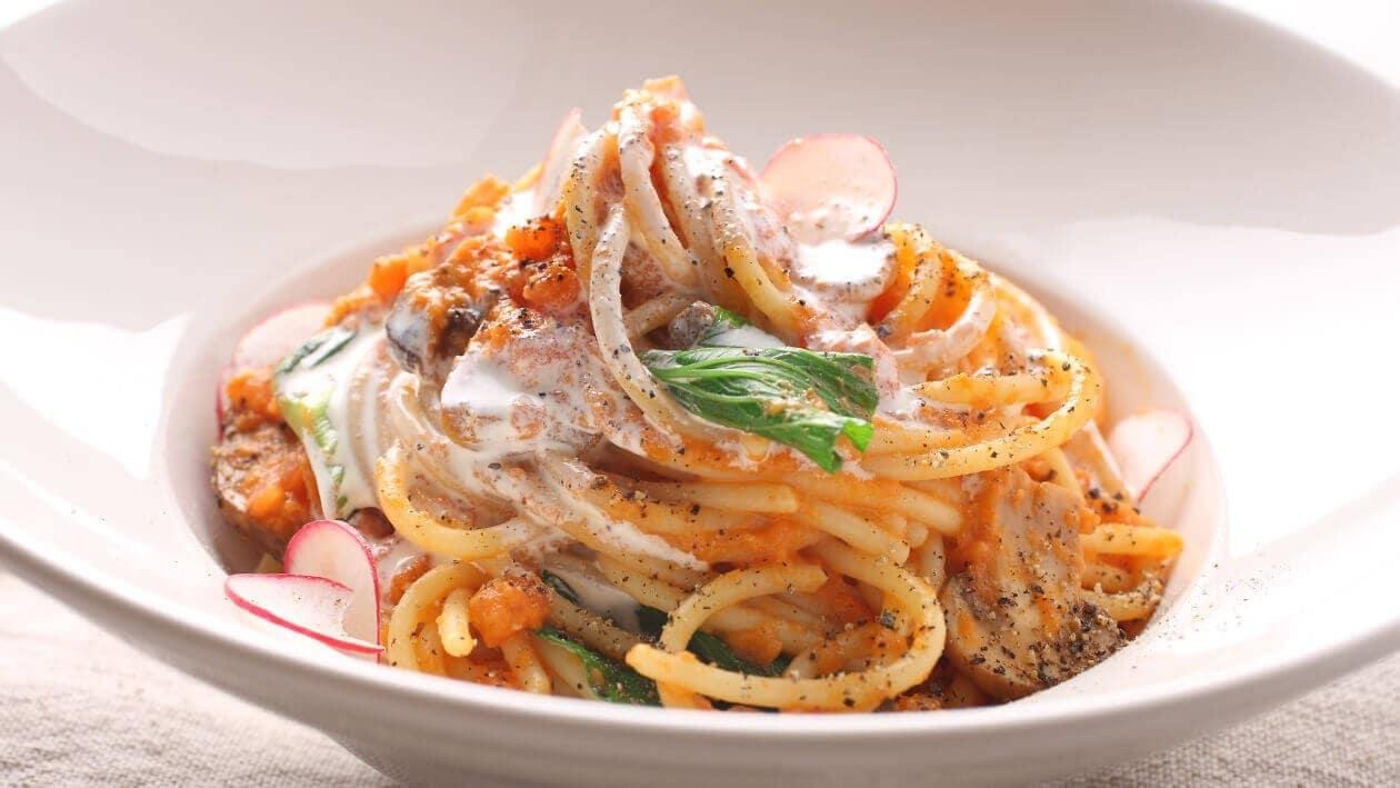 Domates Kremalı Mantarlı Spagetti